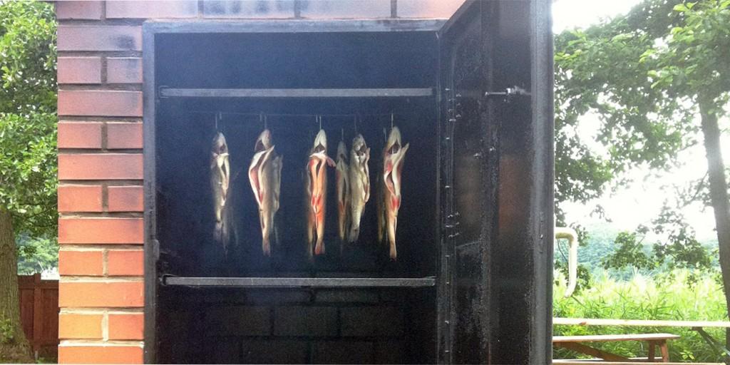 """Räucherfisch in Wesenberg - Räucherprodukte und Marinaden - Seenfischerei """"Obere Havel"""""""